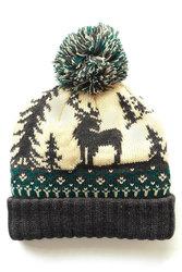 Вязаная шапка с оленем и помпоном