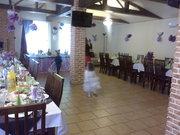 Свадьба, торжество в кафе