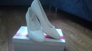 Продам свадебные туфли белого цвета