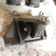 Опора двигателя левая,  Chery (Черри)- Кимо S121001110, S121001211